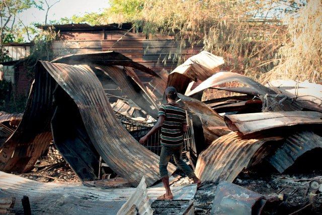 Décombres de l'incendie qui a eu lieu dans la nuit du 22 au 23octobre.