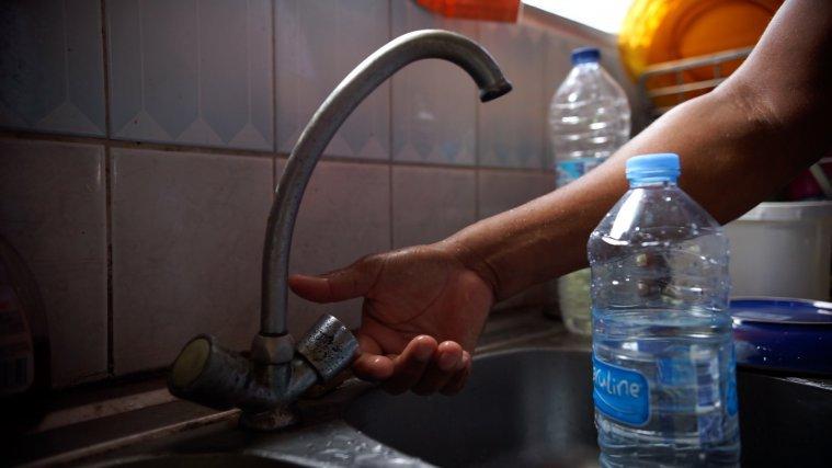 Pas d'eau chez un habitant de Petit-Bourg. 3 AVRIL 2020