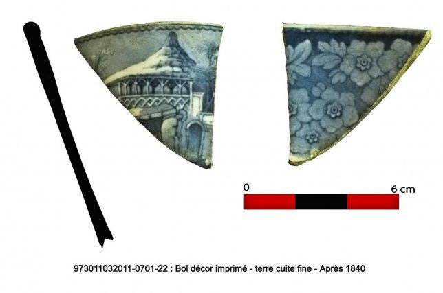 Le site de La Garonne a révélé de nombreux fragments de céramiques fines produites dans les ateliers Vieillard et Jonhston de Bordeaux à partir des années 1840.