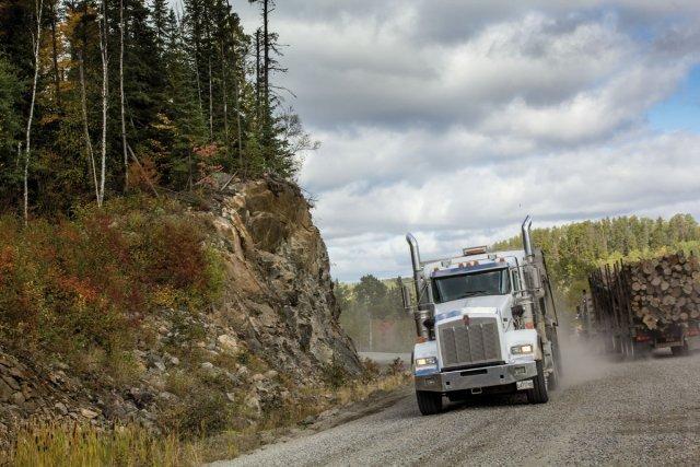 Les camions grumiers de haute-Mauricie
