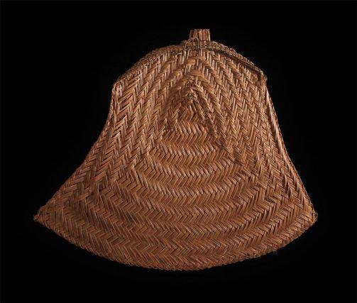 Tapekwa wayãpi (éventail à feu) en fibre de kunana.