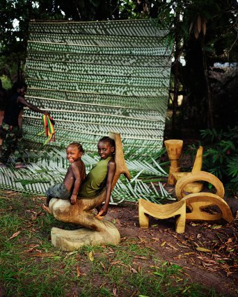 Pikiseei,  Fleuve Suriname
