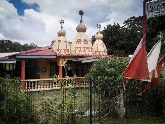 Les temples, celui de Matoury, SevAshram Sangh
