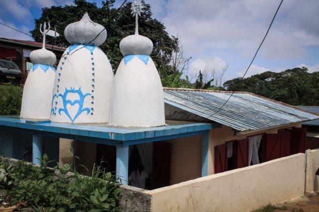 Les temples, celui de Mont-Lucas,  Shri Krishna