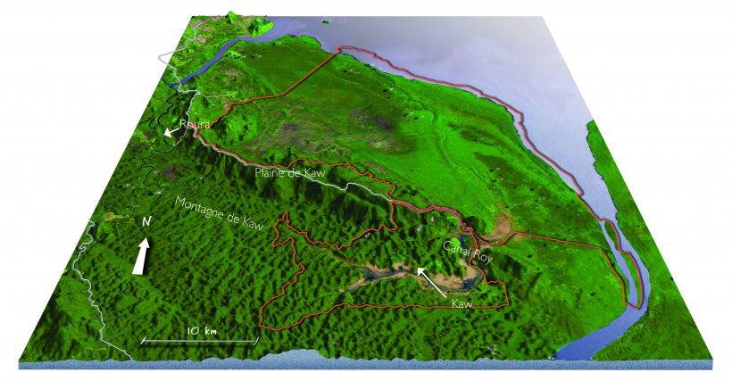En rouge, la réserve naturelle de Kaw-Roura. La montagne de Kaw est une petite dorsale de 60km, culminant à 330m. Premier obstacle aux alizés, c'est une des régions les plus arrosées de Guyane.