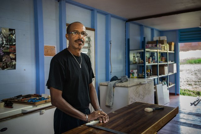 Christian Boutrin, installé à Saül depuis un an. Ce Cayennais a eu un coup de foudre en venant passer Noël chez un ami.