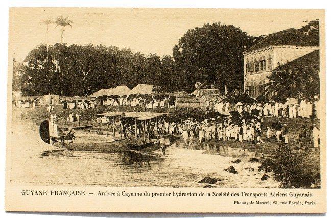 L'hydravion Georges Lévy-Lepen le 12 octobre 1919 derrière la préfecture de Cayenne.