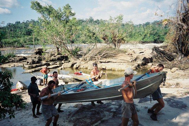 Traversée des Tumuc Humac, le guide wayana Aimawalé, les chutes du Désespoir. Août 2000