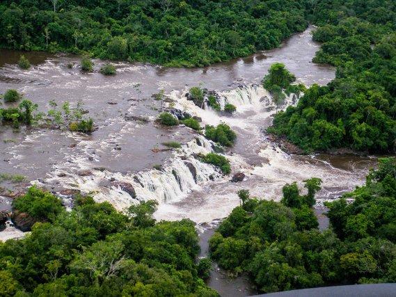 Les chutes du Désespoir/(<i>Cachoeira do Desespero</i>).