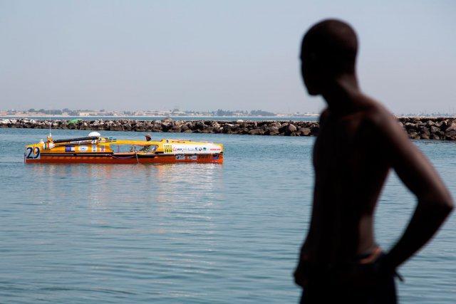 Mercredi 15 octobre 2014. DAKAR. Mise à l'eau des bateaux. Didier Torre.