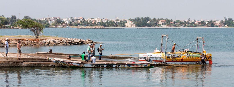 Mercredi 15 octobre 2014. DAKAR. Mise à l'eau des bateaux. Pascal Tesnière.