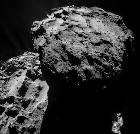 La comète Tchouri le 7 décembre 2014 à 19, 7 km du centre de la comète.