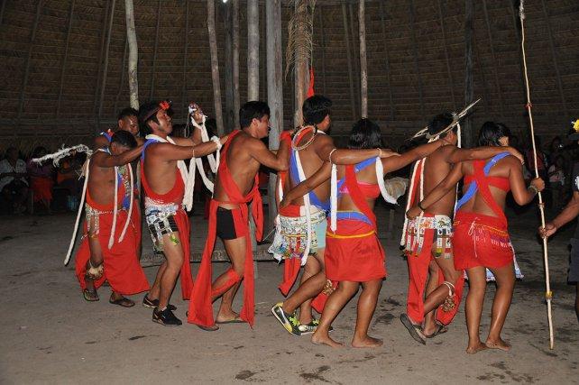 Inauguration tukusipan et maluwana Elahé juillet 2014.
