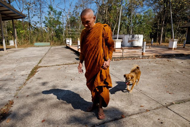 Seul un moine bouddhiste vit aujourd'hui dans les anciens camps de réfugiés à Nong Khai (Thaïlande)