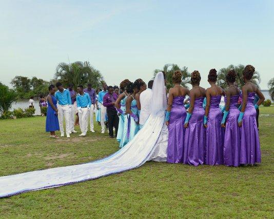 Mariage chrétien d'un jeune couple marron à Saint-Laurent du Maroni, Guyane française.