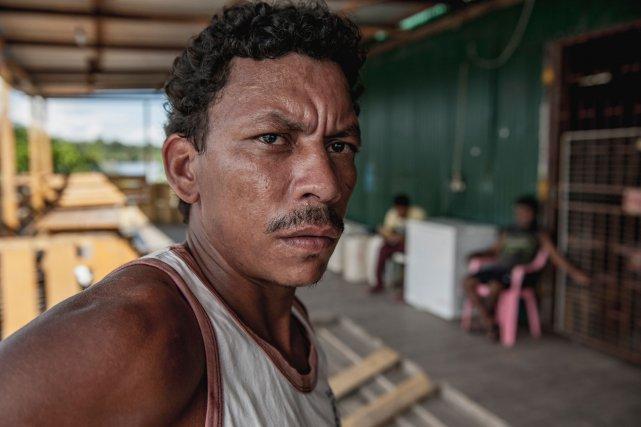 Jaime, originaire de Santarem est arrivé en Guyane en 2004 à la recherche d'une vie meilleure. Il passe environ 6 mois en forêt, avant de rejoindre sa famille laissée à Albina.
