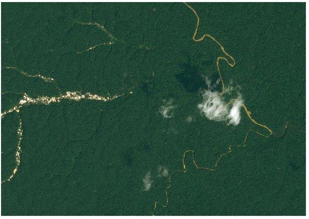 Suivi des impacts de l'exploitation aurifère sur le couvert forestier et les cours d'eau du Plateau des Guyanes – Image SPOT 6 du 6 Septembre 2014  ©Airbus DS/Spot image (2014) Le traitement et la photo-interprétation de l'imagerie satellitaire de type SPOT 5 et 6, Landsat 8 et RapidEye permettent de mettre en évidence, de cartographier et de quantifier les surfaces déforestées  ainsi que les cours d'eau dont la concentration en sédiments est accrue par les rejets de boue résultant de l'orpaillage. L'étude collaborative régionale conduite en 2015 sur le plateau des Guyane dans le cadre du programme REDD + et réalisée par les experts des services forestiers et environnementaux du Suriname, du Guyana, de l'Etat brésilien de l'Amapa et de la Guyane française a permis le développement d'outils d'analyse précis, de renforcer les capacités d'interprétation des données et de faire émerger une vision partagée de la situation de l'exploitation aurifère sur cette région forestière d'Amérique du Sud. REDD + :   Réduction des Emissions de carbone dues à la Déforestation et à la Dégradation des forêts et + pour la conservation, l'augmentation des stocks de carbone forestiers et la gestion durable des forêts.