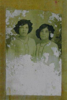 Marthe et Rachel Sainte-Claire, leur frère Julien, en Martinique vers 1905. Archive R. Daudé