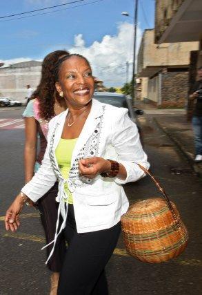 Samedi 9 juin 2007, Cayenne, Guyane, France.En Guyane comme pour les elections presidentielles 2007, les elections legislatives se deroulent un samedi.Christiane Taubira candidate à sa propre reelection de depute de la Guyane.