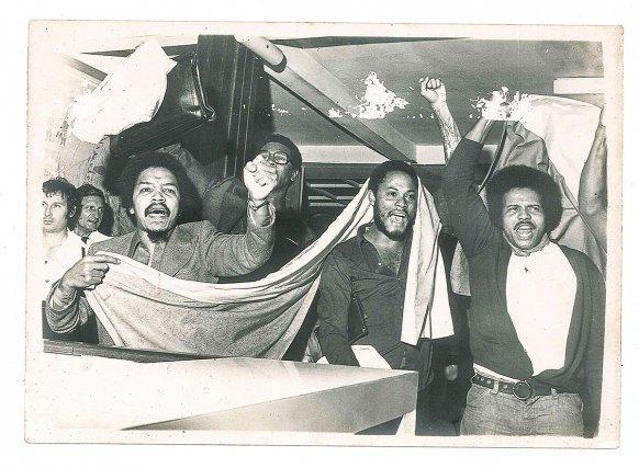 Libération des militants du MoGuyDe (Guy Lamaze, David Donzenac, Jean Mariéma, Raymond Charlotte, Georges Wacapou, Félix Bade, Michel Kapel et André Lecante en janvier 1975.