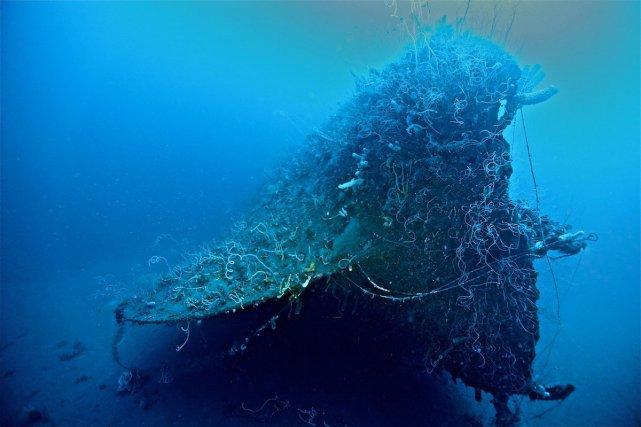 Epave du Tamaya, un trois mats de 53m de long à coque métallique. Situé à 85m, c'est une plongée profonde réalisable uniquement en Trimix (mélange de trois gaz: oxygène, azote et hélium). Photo Marc Verstraete van de Weyer