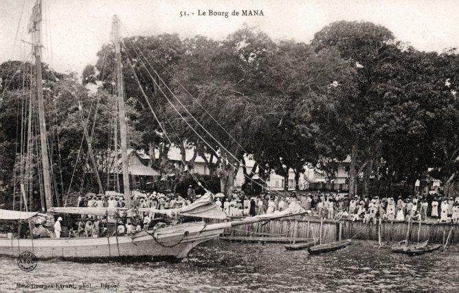 vue du bourg de Mana, depuis le fleuve : Carte postale éditée par MmeGeorges Evrard en 1903.