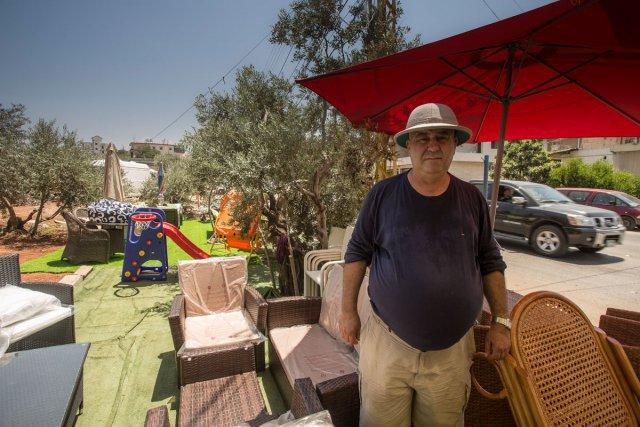 Chalita Laba, cousin de Joseph Laba, vendeur de meuble à Dahr-El-Aïn