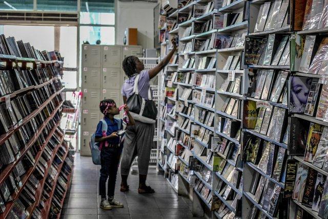 Les rayons du Sunil's DVD shop proposent des films principalement   américains et africains.