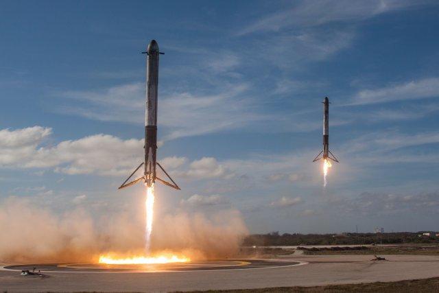 Atterrissage des booster de Falcon heavy