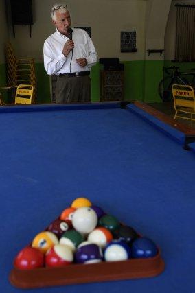 Rommel Tascon, le père de Pedro, est chanteur de ranchera, et se produit dans un bar de Yumbo.