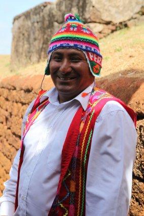 """Andy Manrique en tenue de """"Cuzqueño"""". Il est l'actuel président de l'association des Péruviens de Guyane."""