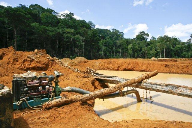 Exploitation d'or alluvionnaire dans la zone des Abattis Cotticas (2007)