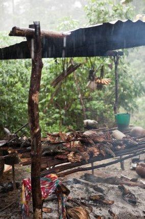 Boucan & gibiers, village wayampi, fleuve Oyapock