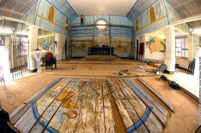 Restauration des peintures de Lagrange à la chapelle de l'île Royale, par l'Atelier Bis.