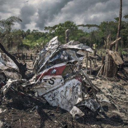 Un des nombreux débris de l'avion crashé en 1969.