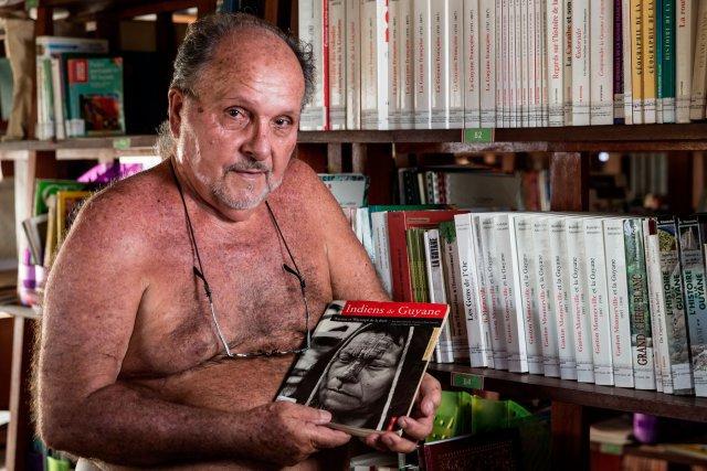 André Cognat est arrivé en Guyane en 1961. Sa soif de découverte et d'aventure le conduit sur le Maroni, la Litanie, l'Oyapock et au nord du Brésil. En 1967, il décide de créer un village sur un site bordé par des sauts, une île à la confluence de l'Alitanie et du Marouini. Antecume-Pata est né. André Cognat s'engage alors particulièrement dans les domaines de la scolarisation et de la santé, en créant notamment un dispensaire. On compte aujourd'hui 350 habitants à Antecume-Pata.
