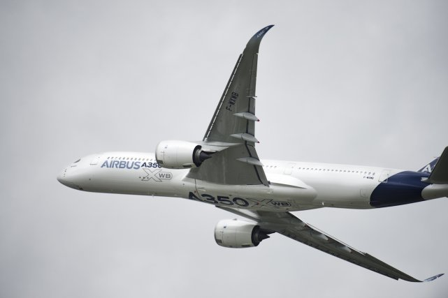 L'Airbus A350 XWB est un avion de ligne long-courrier et moyen porteur de l'avionneur européen Airbus. Les éléments sont produits et assemblés dans différents pays de l'Union européenne ; les principaux le sont en France, en Allemagne, en Espagne et au Royaume-Uni. Premier vol: 14 juin 2014.