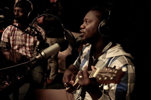 De passage dans les studios de Campus FM à Toulouse, les membres de Sucess Fighters se sont lancés dans un petit boeuf improvisé en direct à la radio
