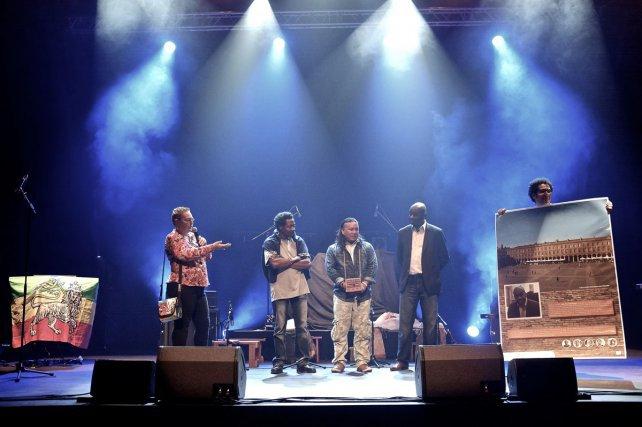 Venu de Papaïchton, le groupe Angi Fushi a séduit le public guyanais, nostalgique, et ému de vibrer au son de l'aleke