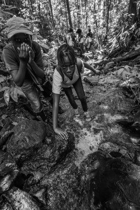Les élèves d'une classe de Matoury partent à l'aventure sur les sentiers.
