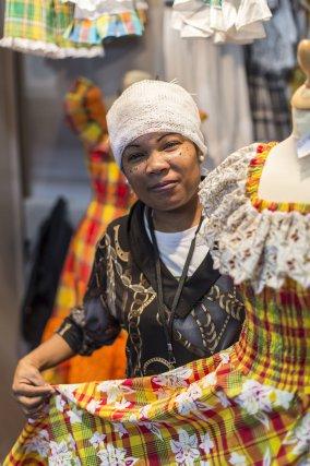 Artisanat et couture de robes traditionnelles guyanaises madras