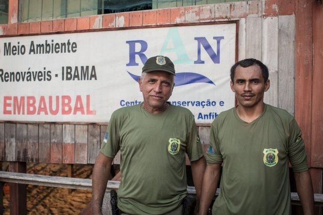 Agents de l'IBAMA, la police fédérale de l'environnement