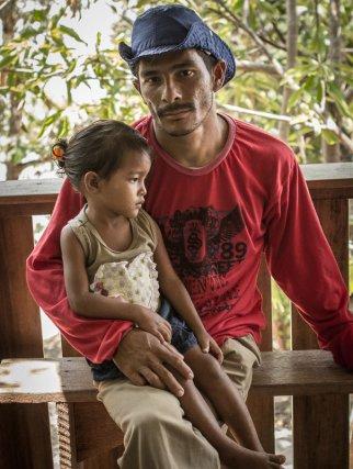 Pêcheur du Tabuleiro avec sa fille