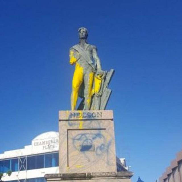 Les Barbadiens déboulonnent  l'amiral Nelson
