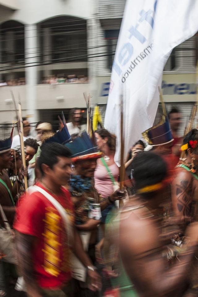 Au Brésil: l'indigène est toujours un bon à rien et un frein au développement