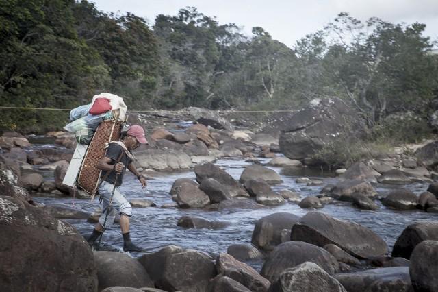 Crise au Vénézuéla : les migrants waraos sont expulsés du Brésil