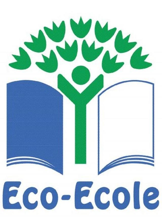 Education à l'Environnement  : Un ''Citronnier de la Biodiversité''  à l'école publique de Cacao