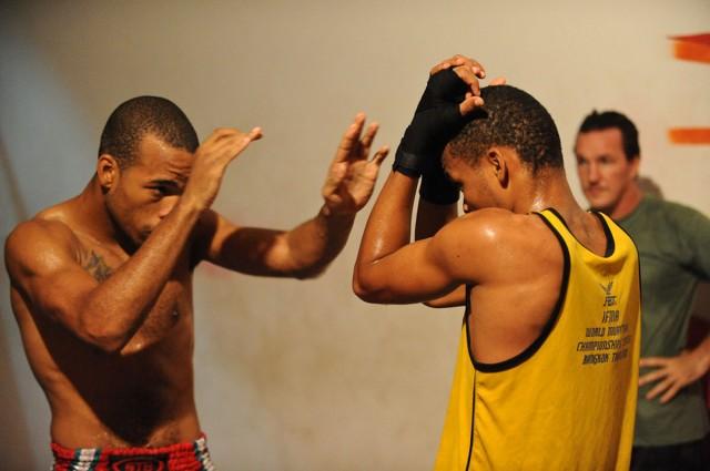 Des assos qui font avancer la Guyane : Un poing pour tendre la main