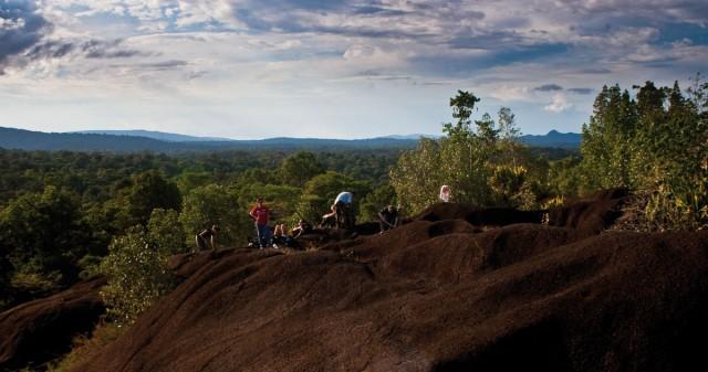 Des assos qui font avancer la Guyane : La Compagnie des Guides layonne le sentier de l' écotourisme