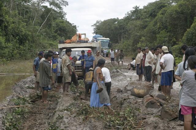 """PEROU BRESIL : Les """"cocaleros'' aux portes de l'Amazonie brésilienne"""